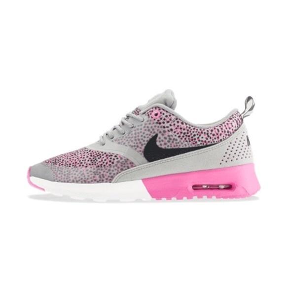 promo code 53538 7777d Nike Air Max Thea, pink polka dot pattern. M5b0f11cf31a3764fe7b0cb55
